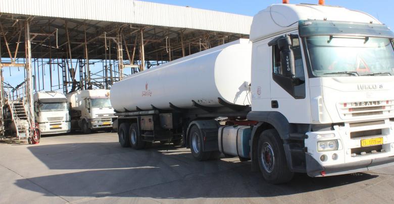 قافلة شاحنات لنقل الوقود