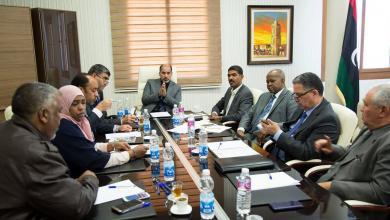 جانب من اجتماع اللجنة المشكلة من المجلس الرئاسي بشأن الأزمة في الجنوب
