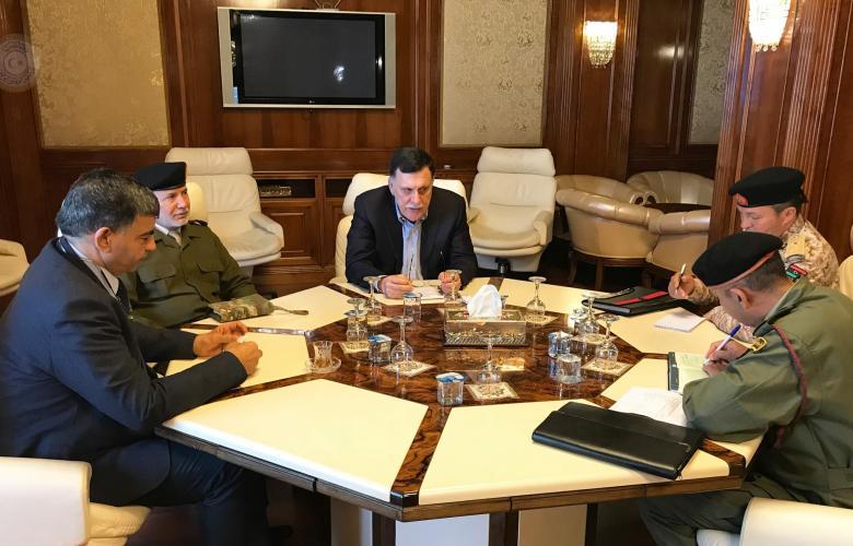 اجتماع فائز السراج وآمر المناطق العسكرية الغربية والوسطى وطرابلس وعبدالسلام عاشور