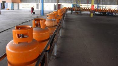 Photo of البريقة: نعمل جاهدين لتوزيع أسطوانات الغاز بالسعر الرسمي