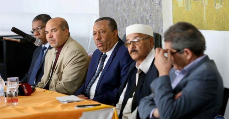 عبدالله الثني خلال لقائه مع مجلس حكماء وأعيان ومشائخ بنغازي