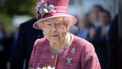 الملكة إليزابيث الثانية ملكة بريطانيا في فولكيرك باسكتلندا يوم 5 يوليو تموز 2017. تصوير: ماري تونر - رويترز.