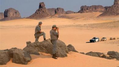 Photo of الجزائر تكشف مخبأ أسلحة على حدود ليبيا