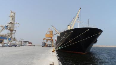 Photo of أطنان من القمح تصل ميناء بنغازي