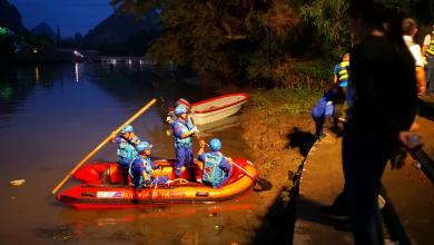فرق إنقاذ للبحث عن المفقودين في حداث الزورقين في الصين
