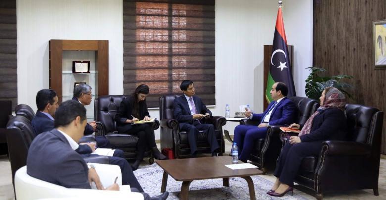 لقاء النائب المجلس الرئاسي أحمد معيتيق مع السفير كوريا الجنوبية تشوي سونغ سو
