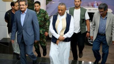 عبدالله الثني أثناء وصوله إلى مدينة بنغازي