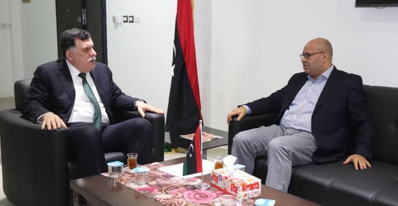 رئيس المجلس الرئاسي فائز السراج مع النائب فتحي المجبري