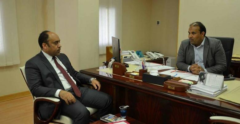 رئيس هيئة الرقابة الإدارية مع وزير الصحة عمر بشير