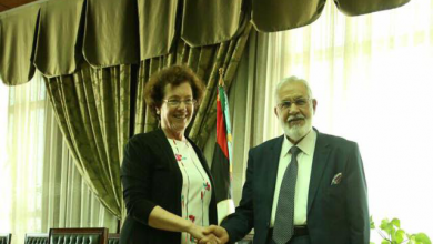 محمد سيالة وسفيرة كندا لدى ليبيا هيلاري تشايلدز آدمز