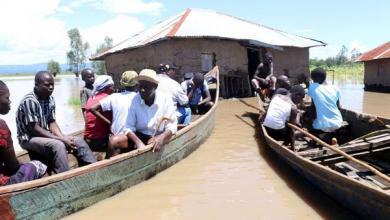 Photo of الأمطار والانهيارات تُخلّف كوراث في كينيا