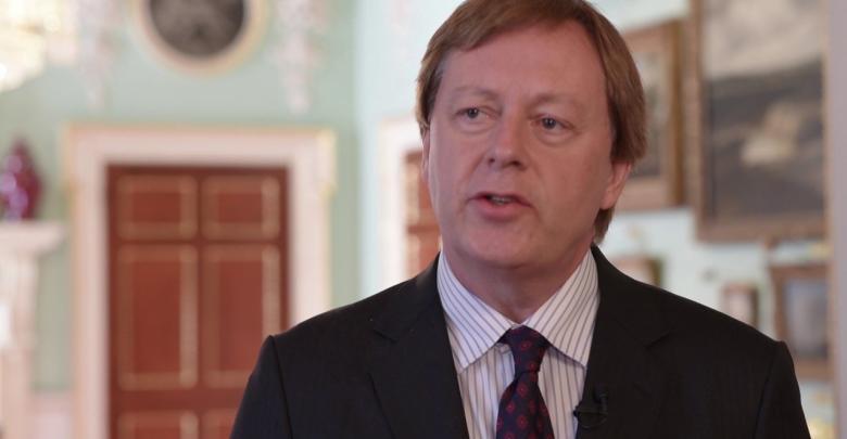 السفير البريطاني لدى ليبيا فرانك بيكر