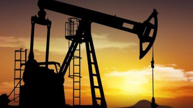 Photo of النفط يتراجع لأدنى مستوياته منذ أكثر من عام