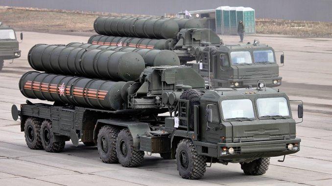 بطاريات صواريخ إس-400 أرض/جو الروسية