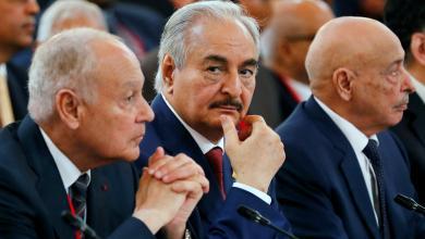 القائد العام للجيش الوطني المشير خليفة حفتر في المؤتمر الدولي بباريس