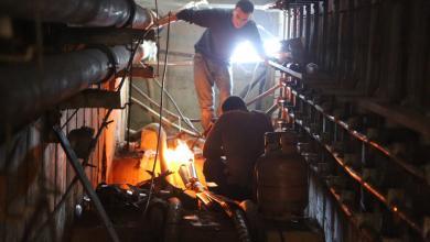 صيانة أضواء ملعب طرابلس الدولي