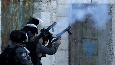 Photo of إسرائيل تطلق النار لتفريق محتجين فلسطينيين