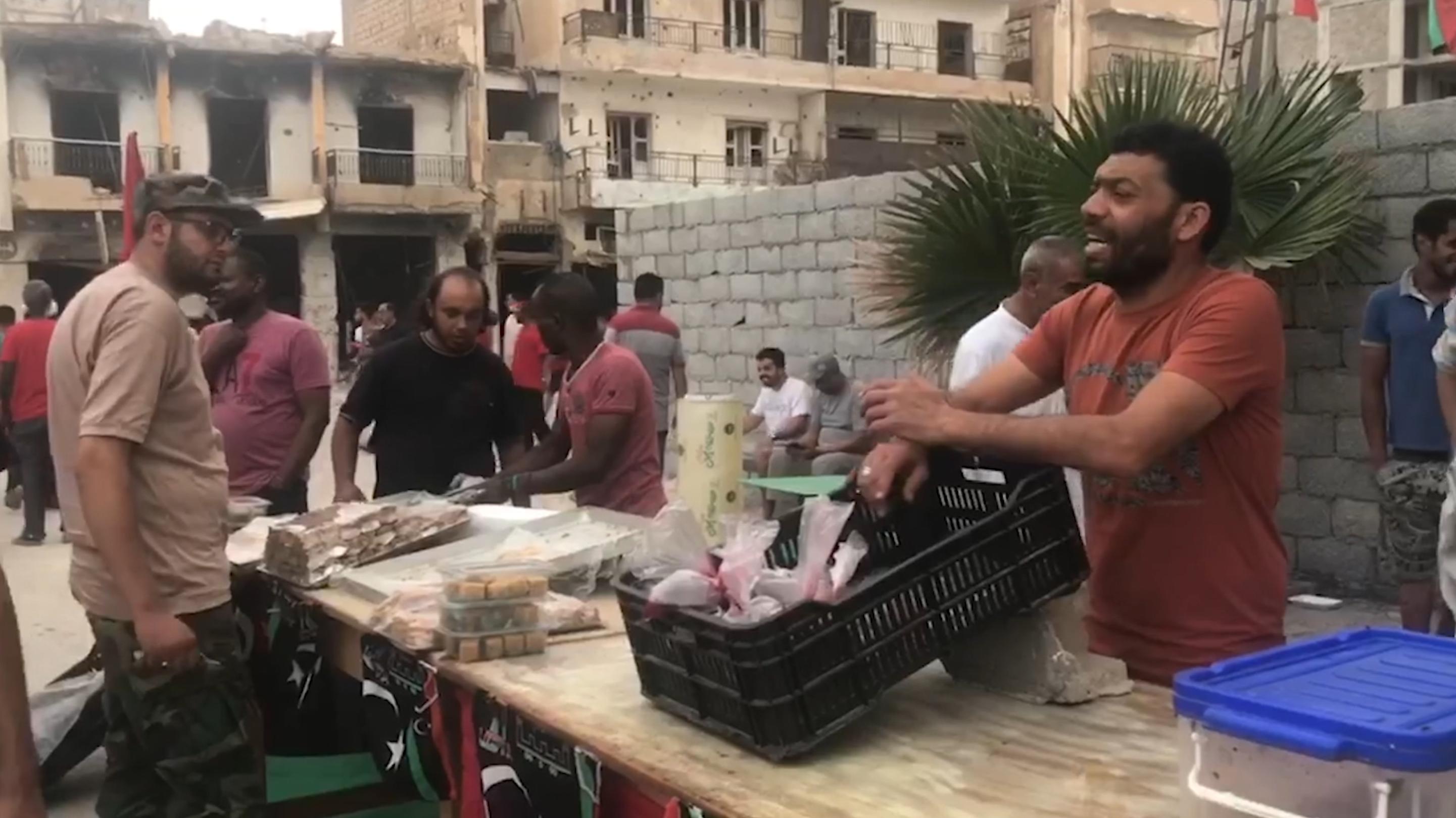 أجواء رمضانية بسوق الحوت في بنغازي