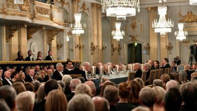 صورة فضيحة جنسية تعصف بجائزة نوبل للأدب