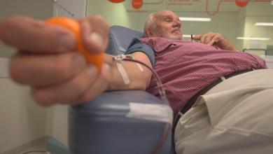 الأسترالي جيمس هاريسون البالغ من العمر 81 عاما