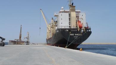 Photo of وصول حاويات بضائع إلى ميناء بنغازي