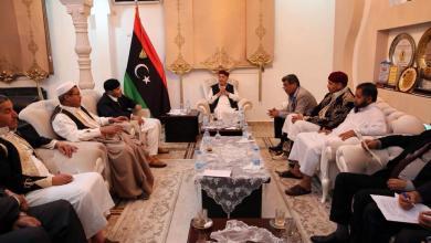 اجتماع عقيلة صالح مع مجلس وزراء الحكومة المؤقتة