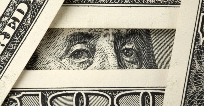 الدولار يستقر أمام الدينار واليورو يرتفع