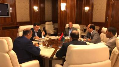 Photo of مراقبون يشيدون بقرار تخفيض مرتبات أعضاء الرئاسي