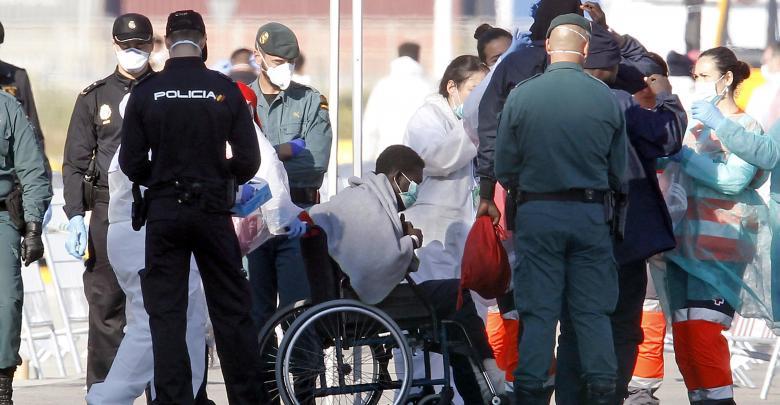 إيطاليا تستقبل مهاجرين
