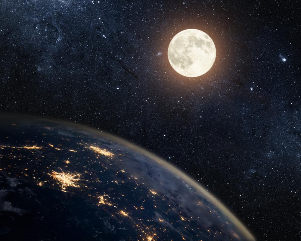 القمر والأرض