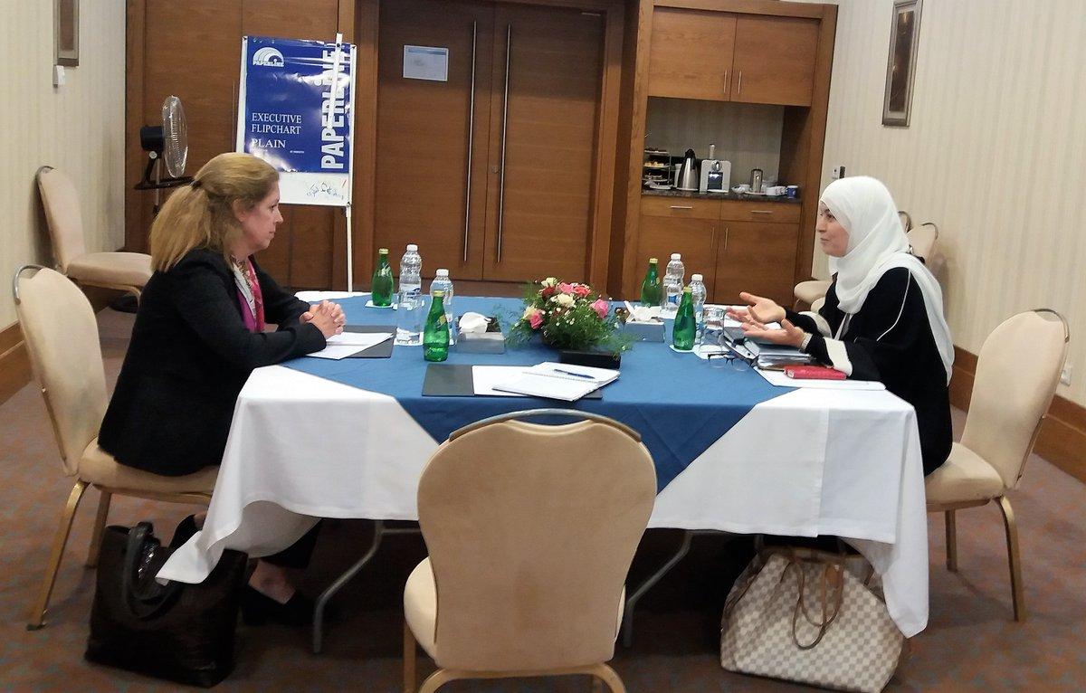 نائبة المبعوث الأممي إلى ليبيا للشؤون السياسية ستيفاني وليامز وعضو المجلس الأعلى للدولة ماجدة الفلاح