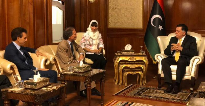 فائز السراج و وزير الخارجية الإيطالي انزو موافيري ميلانسيزي