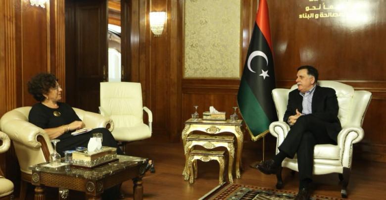 رئيس المجلس الرئاسي لحكومة فائز السراج والسفيرة الفرنسية لدى ليبيا بريجيت كورمي