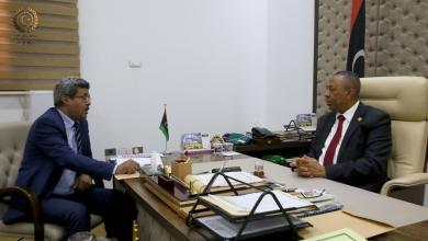 رئيس الحكومة المؤقتة عبدالله الثني و وزير العمل والشؤون الاجتماعية مسعود صوة