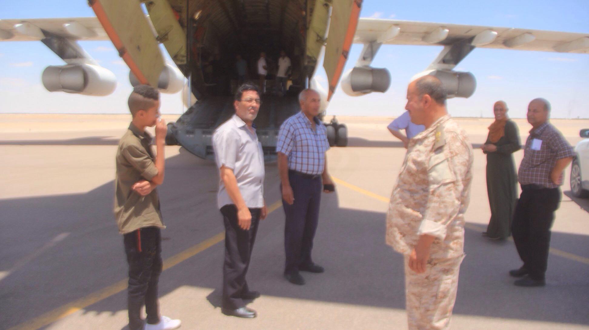 وصول سيولة إلى مطار حقل النافورة في اجخرة