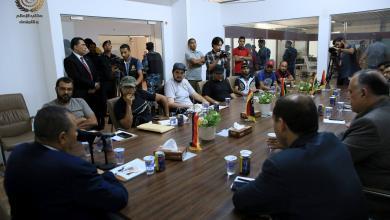 لقاء عبدالله الثني مع عدد من جرحى الجيش الوطني