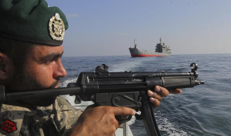 الحرس الثوري الإيراني بالمضيق هرمز