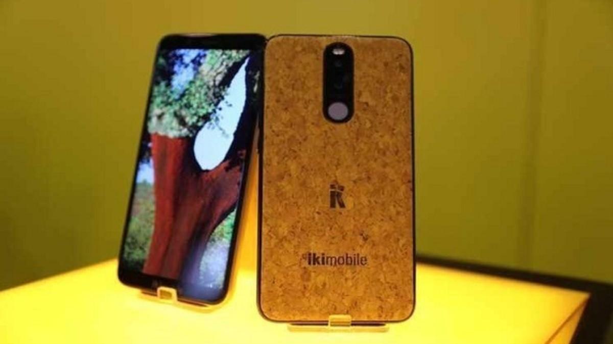 """هاتف الفلين من شركة التكنولجيا برتغالية """"إكيموبيلي"""""""