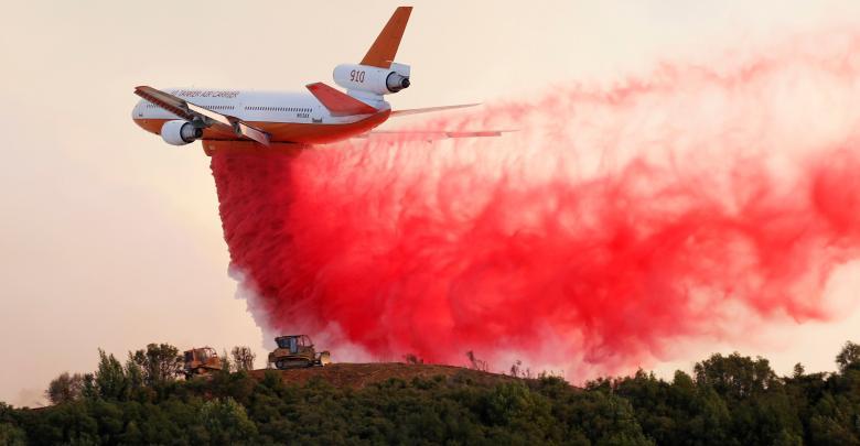 طائرة إطقاء الحرائق - كاليفورنيا