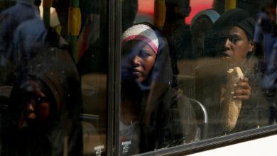 Photo of ترحيل 21 مهاجرا من بنغازي إلى نيجيريا