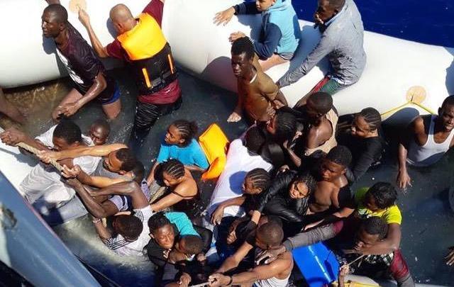 مهاجرين غير قانونيين