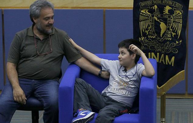 كارلوس أنطونيو ووالده