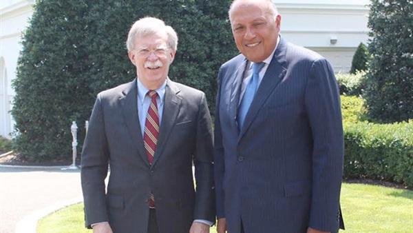 جون بولتون و وزير الخارجية المصري سامح شكري