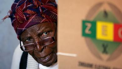 صورة أزمة ثقة تخيم على انتخابات زيمبابوي
