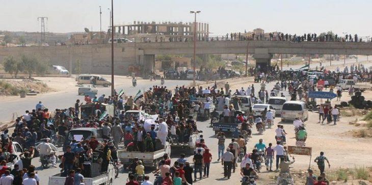 نزوح 30 ألف شخص في إدلب بعد قصف النظام السوري