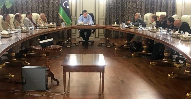 غسان سلامة يلتقي السراج وقادة عسكريين