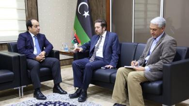 أحمد معيتيق في اجتماع مع القائم بأعمال السفارة البريطانية لدى ليبيا انجس ماكي