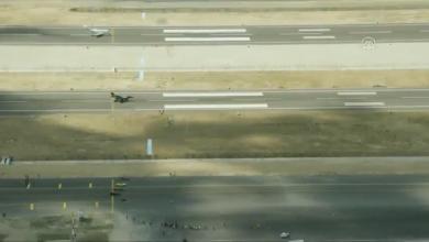 سائق دراجة يتفوق على طائرة (F-16)