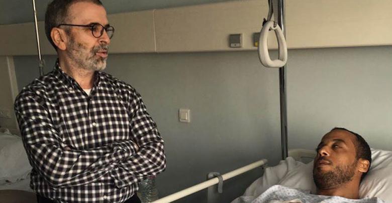 مصطفى صنع الله يزور مصابين المؤسسة الوطنية للنفط