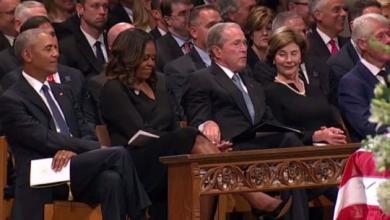 "Photo of مقطع فيديو يشغِل أميركا.. و""يُثير غيرة"" أوباما"